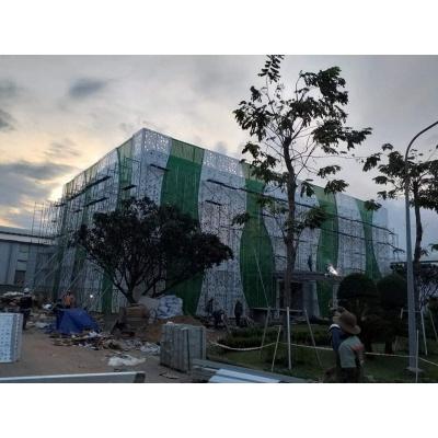 Thi công phần khung mặt dựng nhà văn phòng và nhà xưởng công ty NUTIFOOD Bến Cát, Bình Dương
